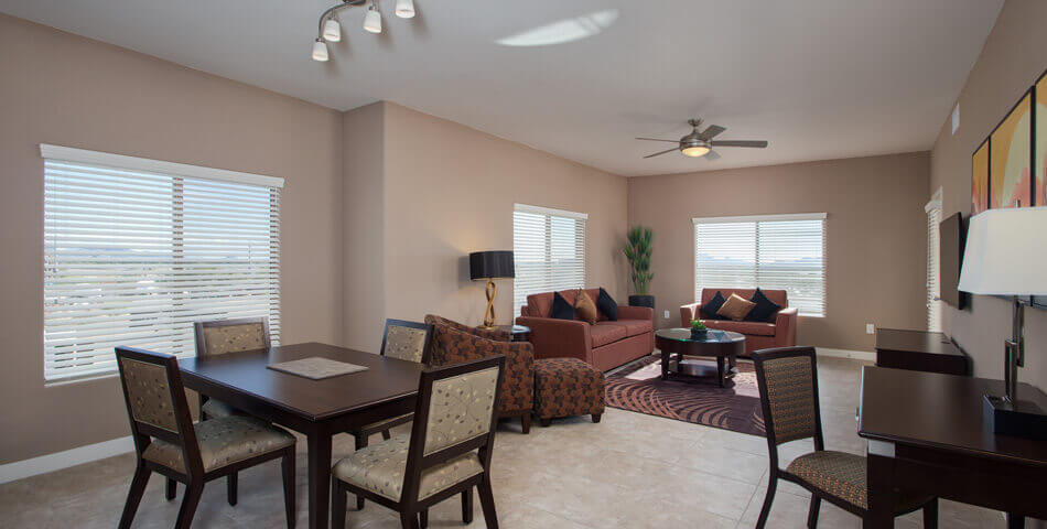 3 Bedroom Condos in Phoenix - bed