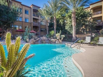 Toscana Condo Rentals Pool Fountain