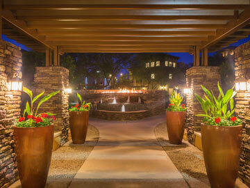 Toscana Condo Rentals alley way night