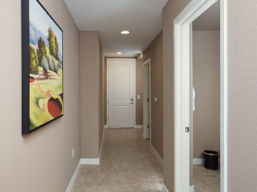 condos for rent in phoenix - hallway entrance calviano