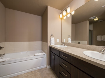 condos for rent in phoenix - master bathroom calviano