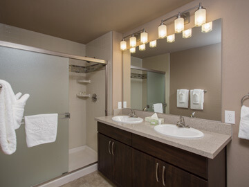 condos for rent in phoenix - third bathroom