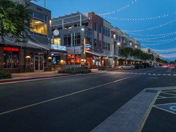 Toscana Condo Rentals - high street night life